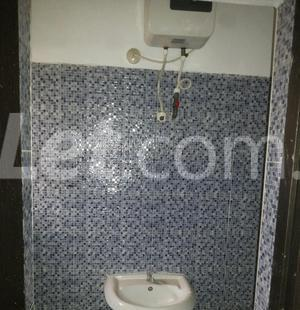 3 bedroom Shared Apartment Flat / Apartment for rent Onike Estate Onike Yaba Lagos - 5