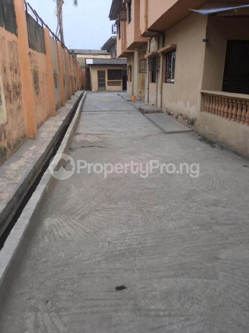 5 bedroom Blocks of Flats House for sale ---- Satellite Town Amuwo Odofin Lagos - 0