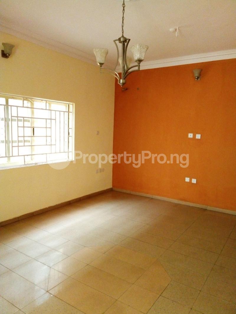 3 bedroom Terraced Duplex House for sale Oluyomi Osikoya Close, Magodo GRA Phase 2 Magodo Kosofe/Ikosi Lagos - 1