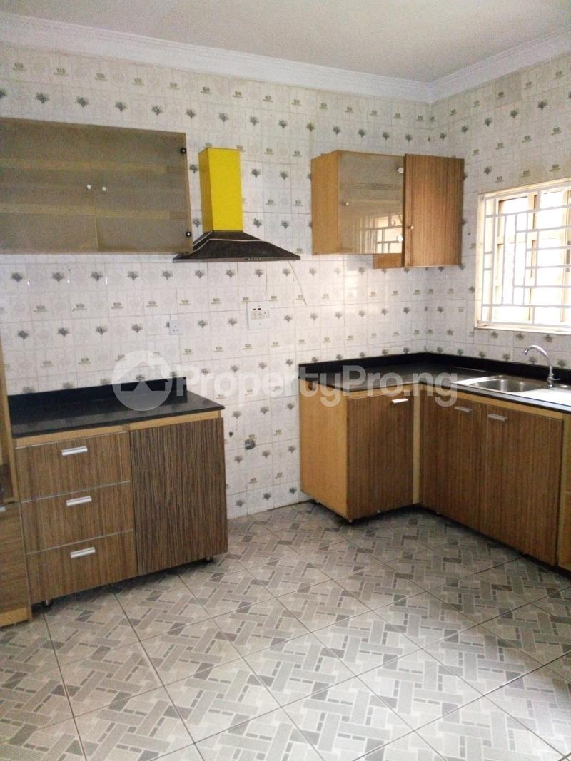 3 bedroom Terraced Duplex House for sale Oluyomi Osikoya Close, Magodo GRA Phase 2 Magodo Kosofe/Ikosi Lagos - 7