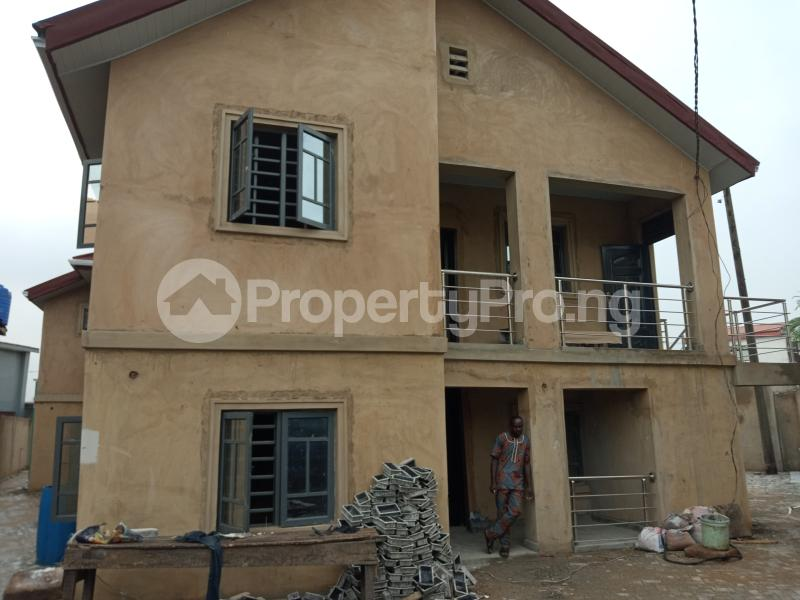 2 bedroom Blocks of Flats House for rent Shodipe st Ojuelegba Surulere Lagos - 0