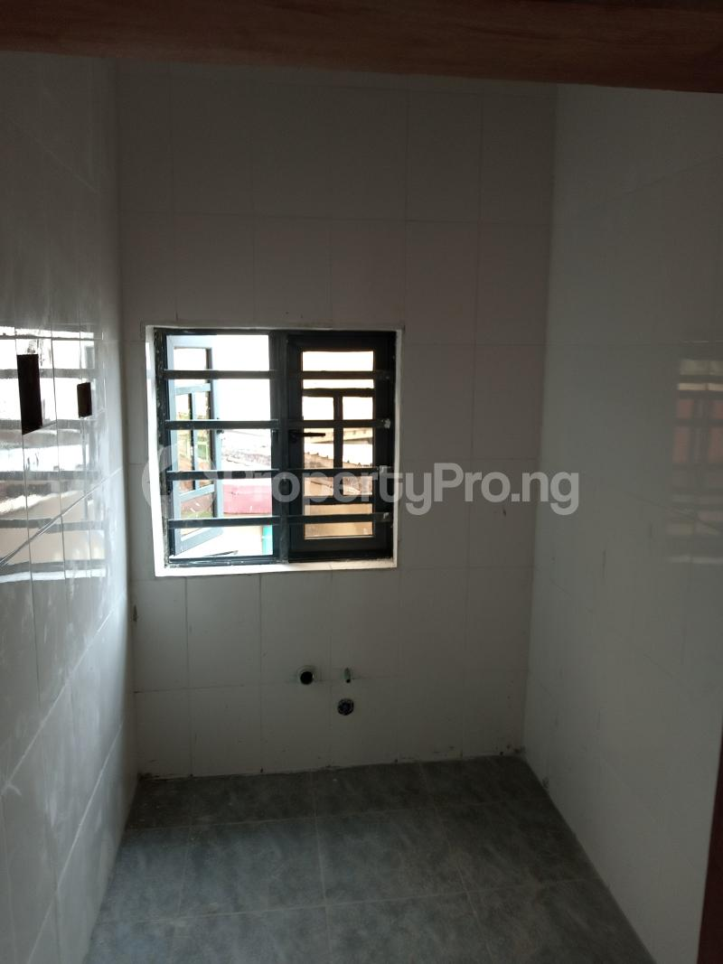 2 bedroom Blocks of Flats House for rent Shodipe st Ojuelegba Surulere Lagos - 4
