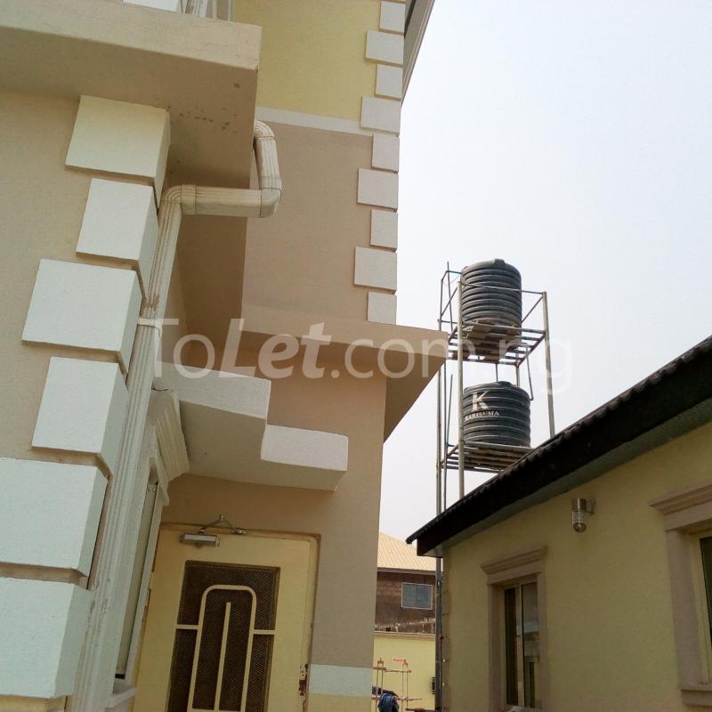1 bedroom mini flat  Self Contain for rent Apete  Ibadan Oyo - 0