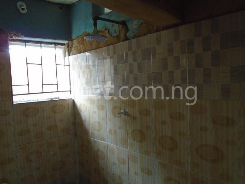 1 bedroom mini flat  Self Contain Flat / Apartment for rent - Lawanson Surulere Lagos - 8