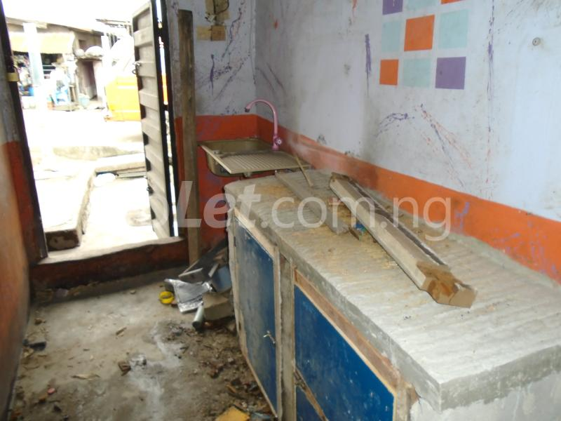 1 bedroom mini flat  Self Contain Flat / Apartment for rent ijesha road,lawanson,surulere lagos mainland Ijesha Surulere Lagos - 2
