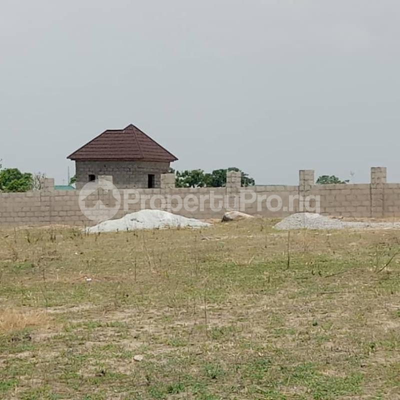 Mixed   Use Land Land for sale  along Abuja-Keffi road, before Goshen city. Mararaba Abuja - 3