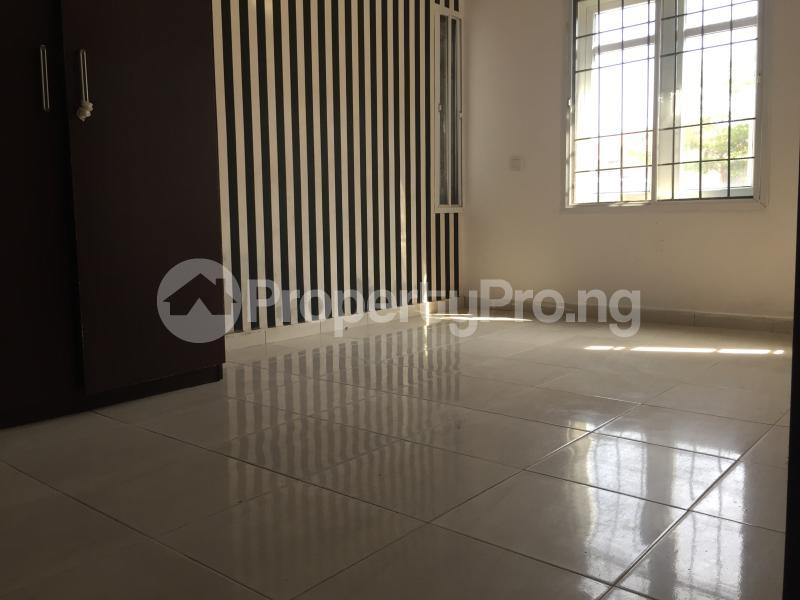 3 bedroom Blocks of Flats House for rent Ologolo  Ologolo Lekki Lagos - 4