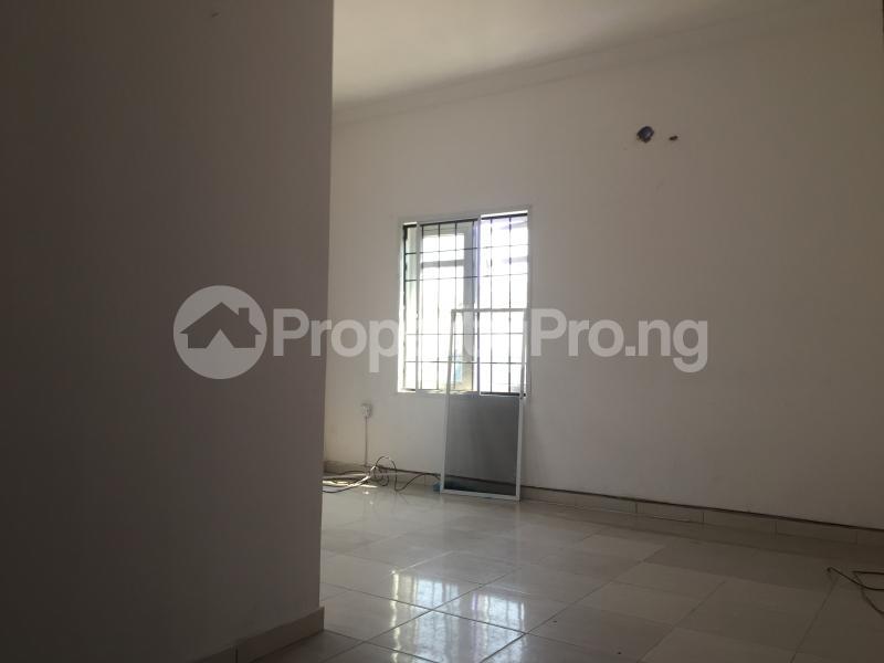 3 bedroom Blocks of Flats House for rent Ologolo  Ologolo Lekki Lagos - 1