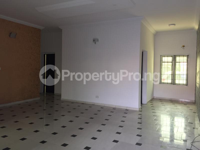 3 bedroom Blocks of Flats House for rent Ologolo  Ologolo Lekki Lagos - 0