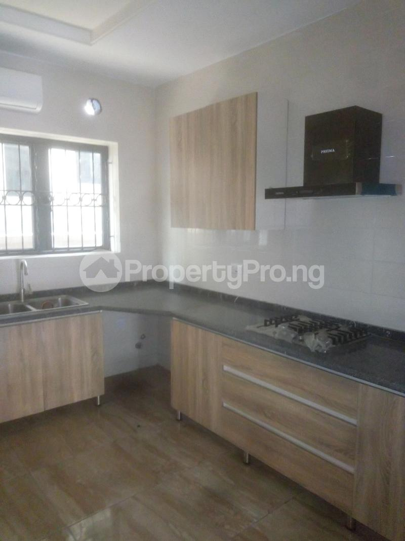 3 bedroom Flat / Apartment for rent Off Land bridge avenue ONIRU Victoria Island Lagos - 2