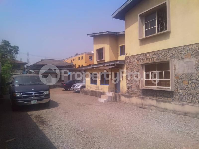 7 bedroom Detached Bungalow House for sale ---- Onipanu Shomolu Lagos - 0