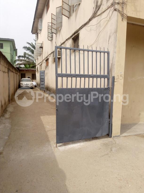 3 bedroom Block of Flat for rent off Nathan street Ojuelegba Surulere Lagos - 1