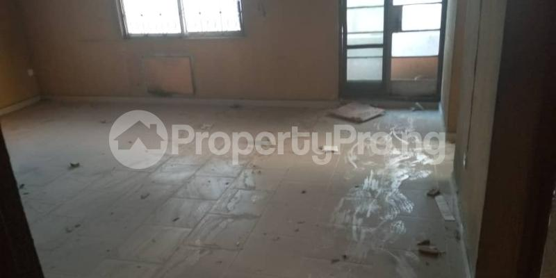 3 bedroom Self Contain Flat / Apartment for rent Awofeso Palmgroove Shomolu Lagos - 0