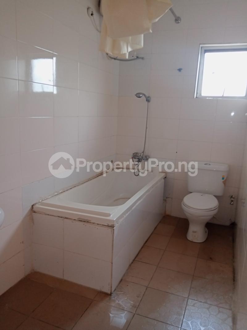 3 bedroom Mini flat Flat / Apartment for rent Off Oluwadare Fola Agoro Yaba Lagos - 14