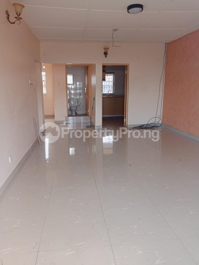 3 bedroom Mini flat Flat / Apartment for rent Off Oluwadare Fola Agoro Yaba Lagos - 13