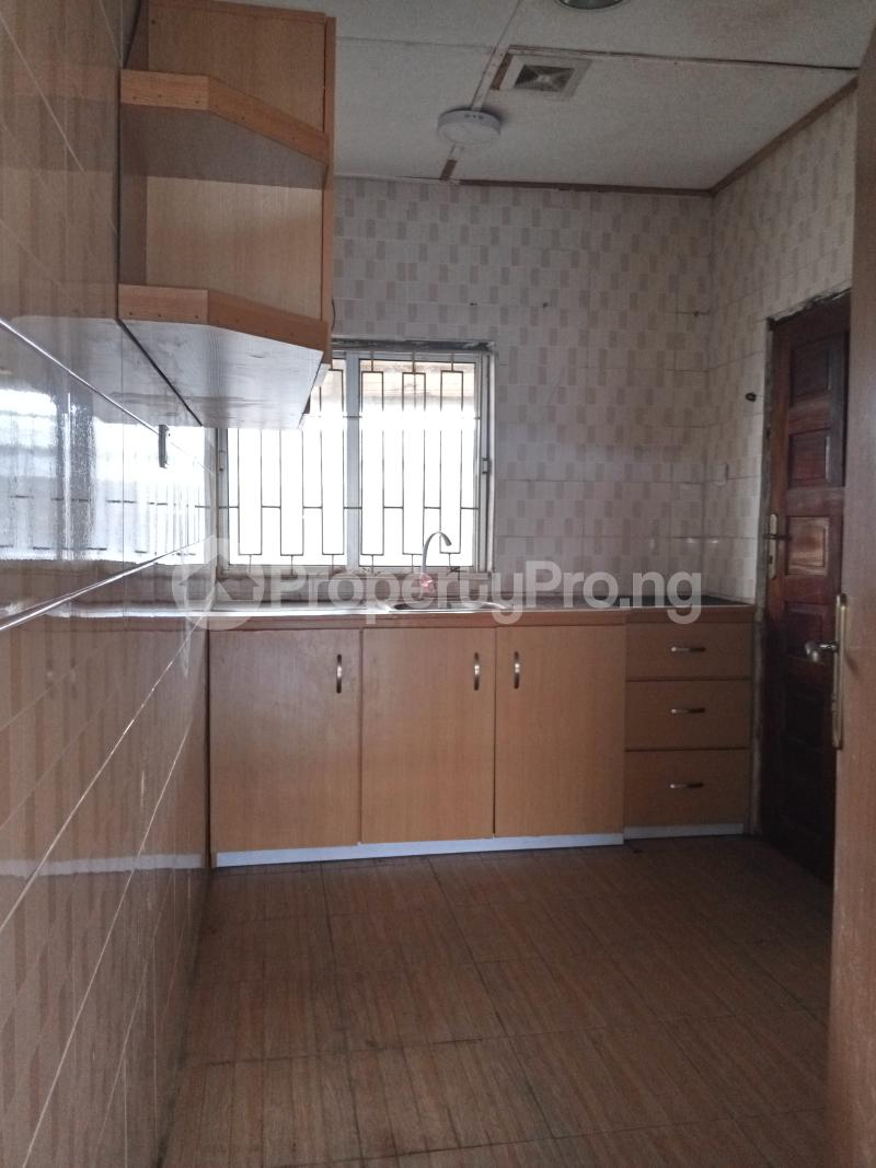 3 bedroom Mini flat Flat / Apartment for rent Off Oluwadare Fola Agoro Yaba Lagos - 8