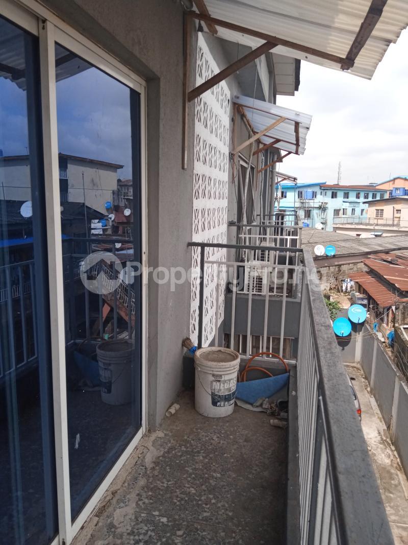 3 bedroom Mini flat Flat / Apartment for rent Off Oluwadare Fola Agoro Yaba Lagos - 1