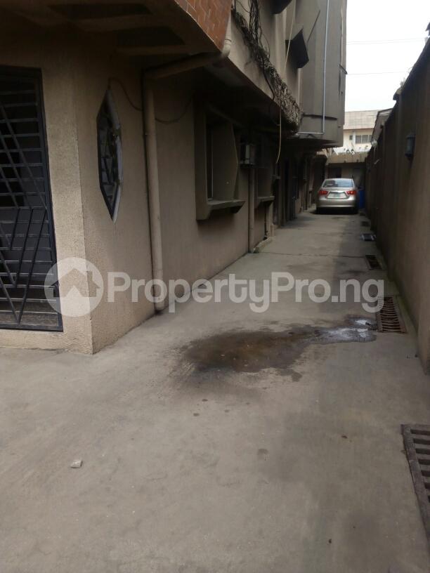 3 bedroom Flat / Apartment for rent Adebola ojomo Aguda Surulere Lagos - 7