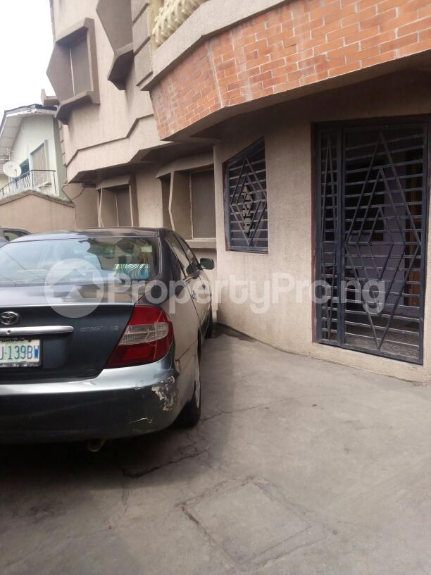 3 bedroom Flat / Apartment for rent Adebola ojomo Aguda Surulere Lagos - 6