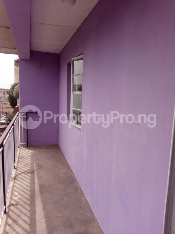 3 bedroom Block of Flat for rent off Nathan street Ojuelegba Surulere Lagos - 4