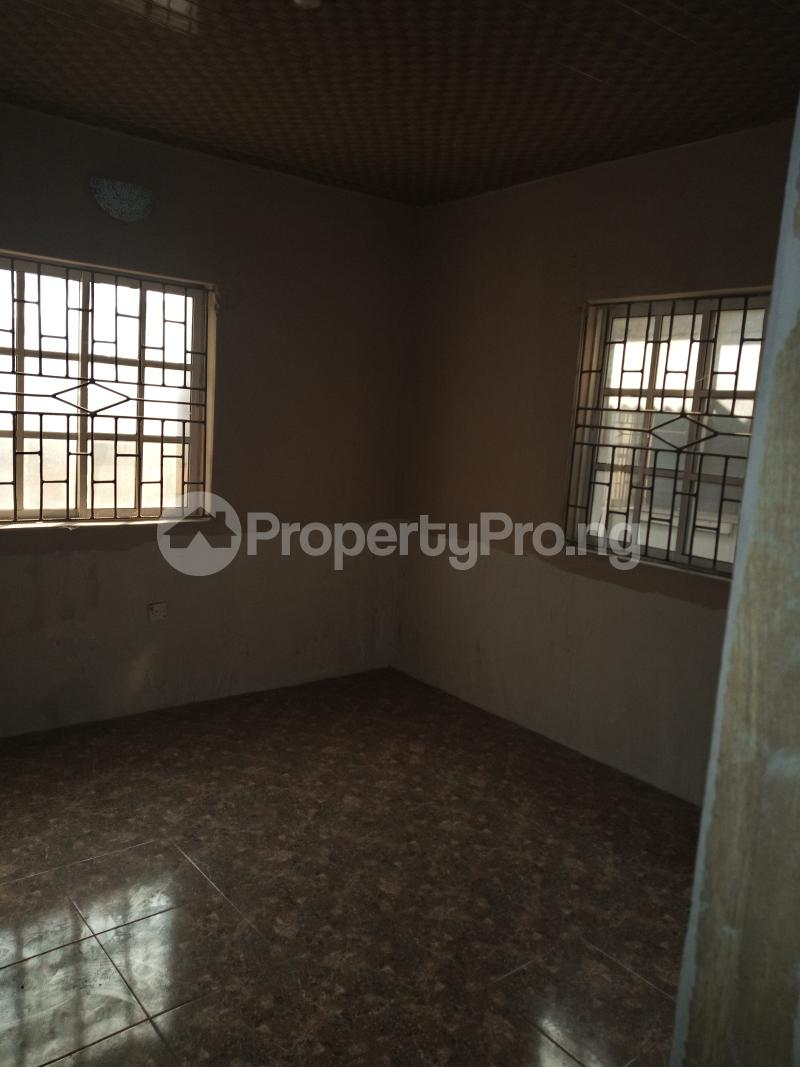 2 bedroom Flat / Apartment for rent DIRECTLY BEHIND STADUIM HOTEL, WESTERN AVENUE Western Avenue Surulere Lagos - 9