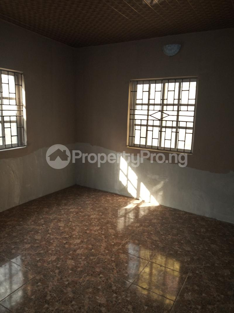 2 bedroom Flat / Apartment for rent DIRECTLY BEHIND STADUIM HOTEL, WESTERN AVENUE Western Avenue Surulere Lagos - 6