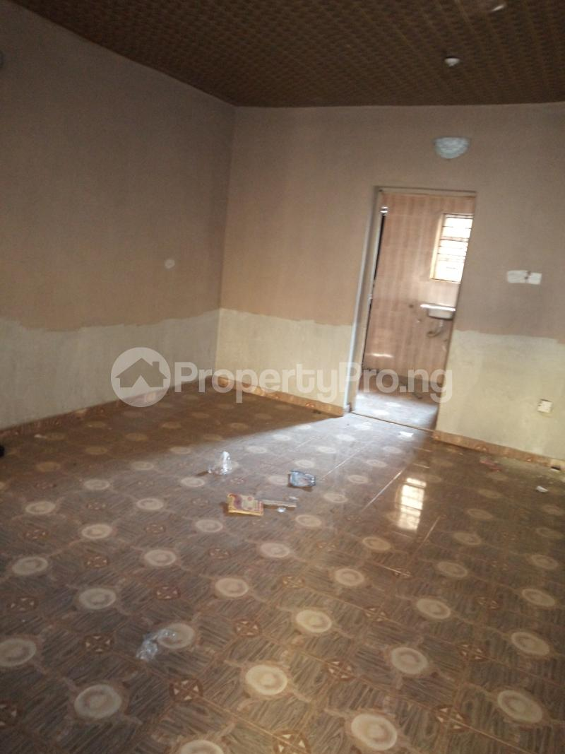 2 bedroom Flat / Apartment for rent DIRECTLY BEHIND STADUIM HOTEL, WESTERN AVENUE Western Avenue Surulere Lagos - 12