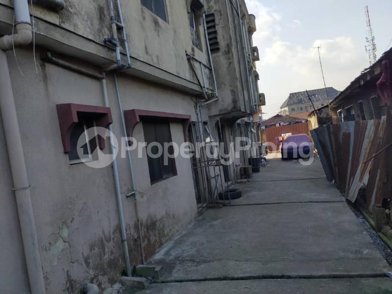 Blocks of Flats House for sale Off Agege Motor Road  Mushin Mushin Lagos - 8