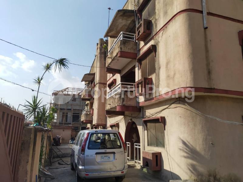 Blocks of Flats House for sale Off Agege Motor Road  Mushin Mushin Lagos - 25