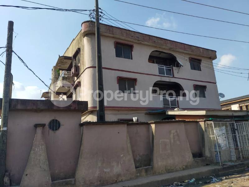 Blocks of Flats House for sale Off Agege Motor Road  Mushin Mushin Lagos - 16