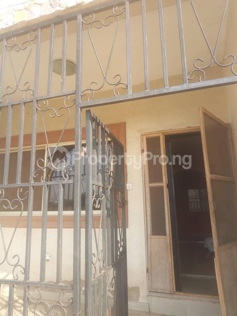 3 bedroom Flat / Apartment for rent Adeyemo Molete Ibadan Oyo - 4