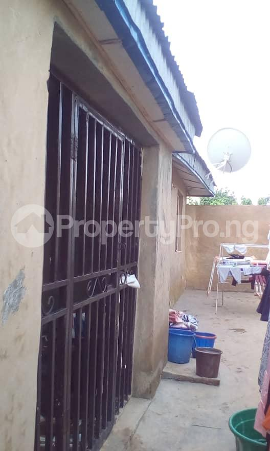 3 bedroom Detached Bungalow House for sale Camp, Ologuneru  Eleyele Ibadan Oyo - 1