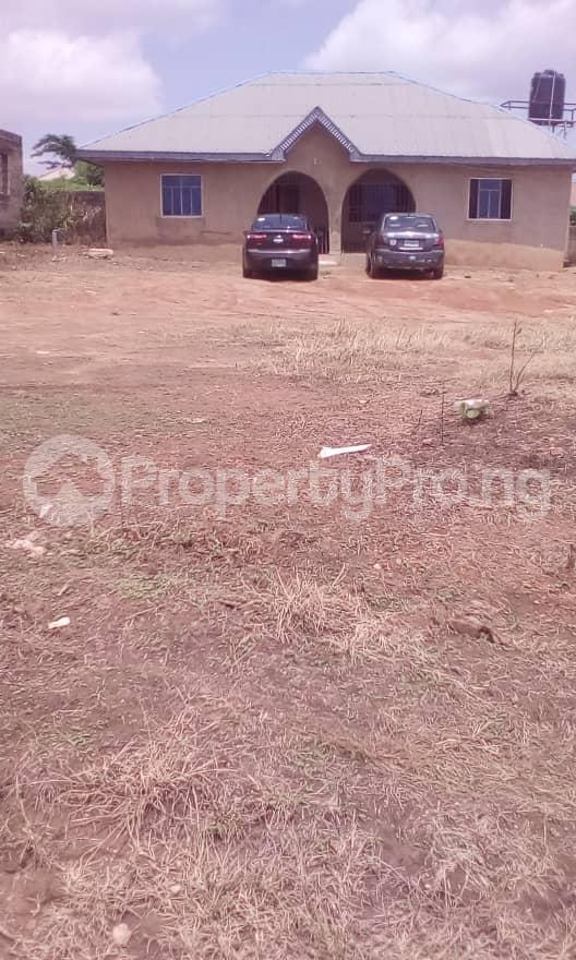 3 bedroom Detached Bungalow House for sale Camp, Ologuneru  Eleyele Ibadan Oyo - 0