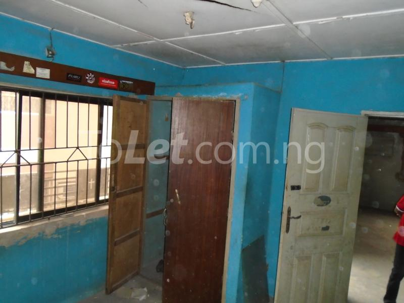 2 bedroom Flat / Apartment for rent off ayetoro Aguda Surulere Lagos - 11
