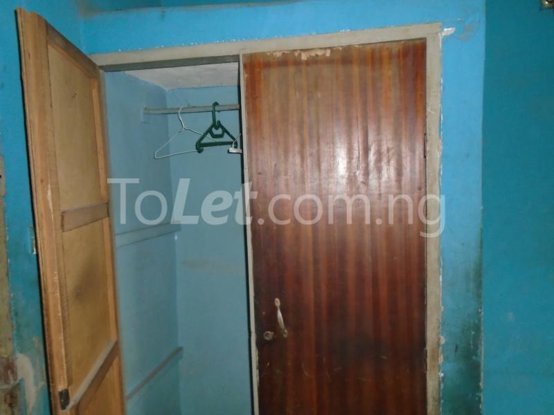 2 bedroom Flat / Apartment for rent off ayetoro Aguda Surulere Lagos - 3
