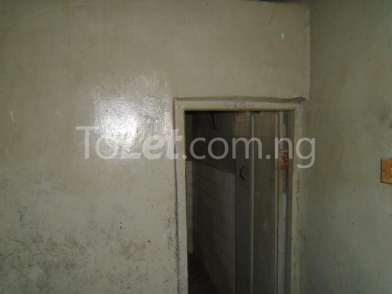 2 bedroom Flat / Apartment for rent off ayetoro Aguda Surulere Lagos - 7