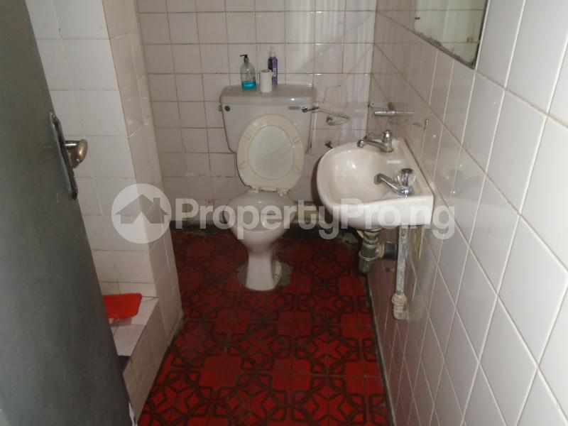 3 bedroom Blocks of Flats House for rent mende,close Mende Maryland Lagos - 11