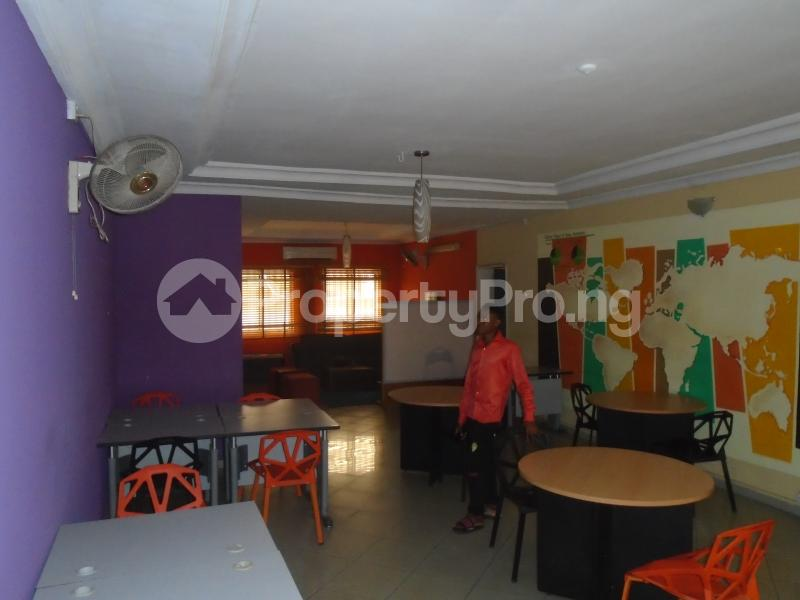 3 bedroom Blocks of Flats House for rent mende,close Mende Maryland Lagos - 3