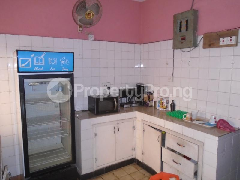 3 bedroom Blocks of Flats House for rent mende,close Mende Maryland Lagos - 4