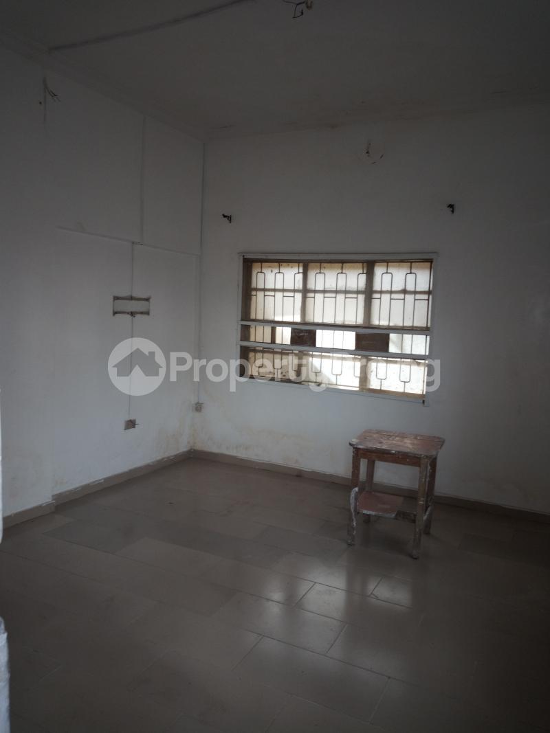 1 bedroom mini flat  Mini flat Flat / Apartment for rent off Akanro street, Ilasa-maja Ilasamaja Mushin Lagos - 7