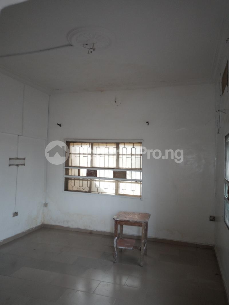 1 bedroom mini flat  Mini flat Flat / Apartment for rent off Akanro street, Ilasa-maja Ilasamaja Mushin Lagos - 8