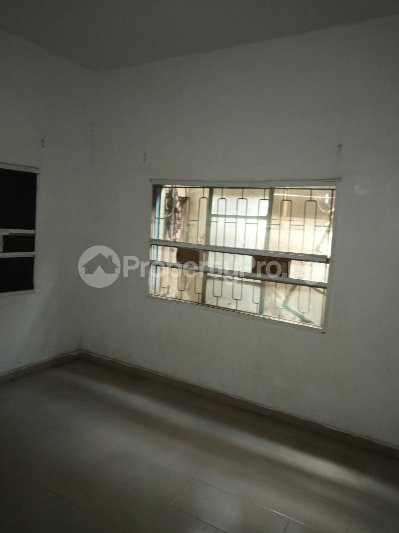1 bedroom mini flat  Mini flat Flat / Apartment for rent off Akanro street, Ilasa-maja Ilasamaja Mushin Lagos - 2