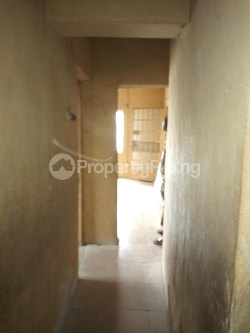 1 bedroom mini flat  Mini flat Flat / Apartment for rent off Akanro street, Ilasa-maja Ilasamaja Mushin Lagos - 6