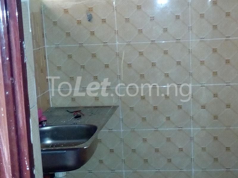 1 bedroom mini flat  Mini flat Flat / Apartment for rent Off Ibgogo road Choba Choba Port Harcourt Rivers - 2