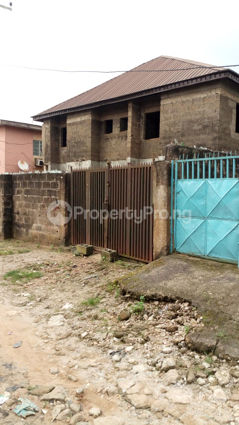 3 bedroom Blocks of Flats House for rent Old oko oba road agege egbatedo bus stop  Oko oba road Agege Lagos - 0