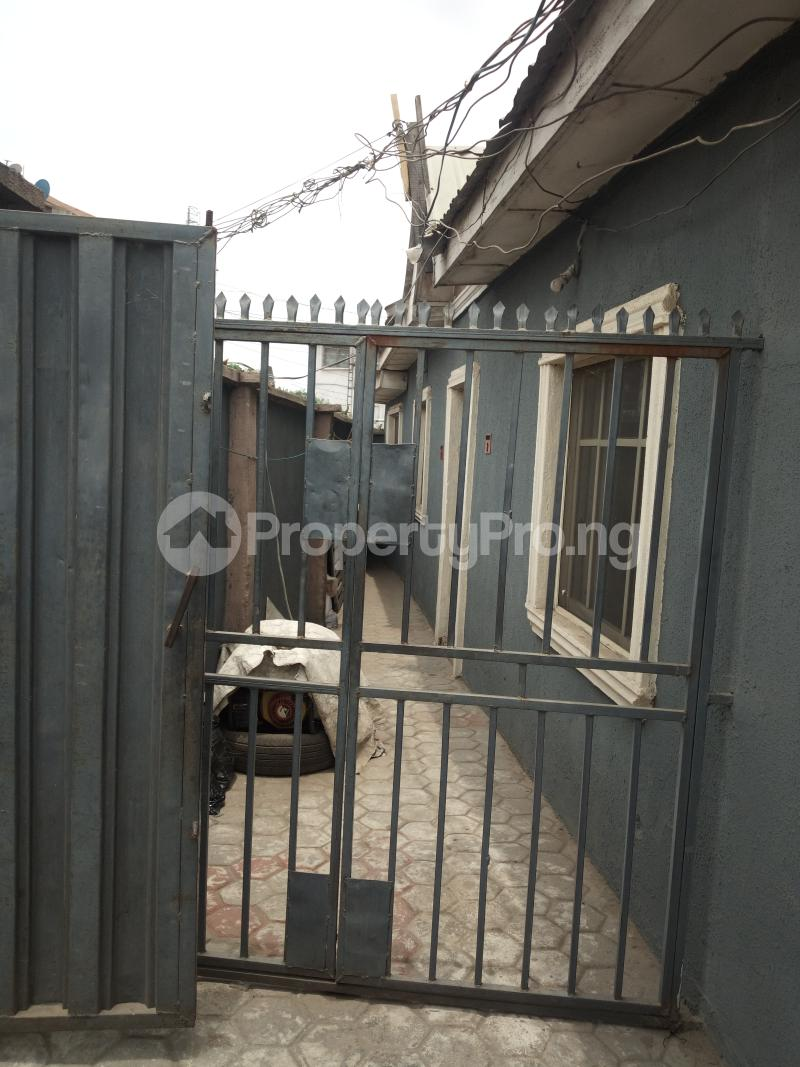 1 bedroom mini flat  Mini flat Flat / Apartment for rent OFF LUTH ROAD MUSHIN LAGOS Mushin Mushin Lagos - 2