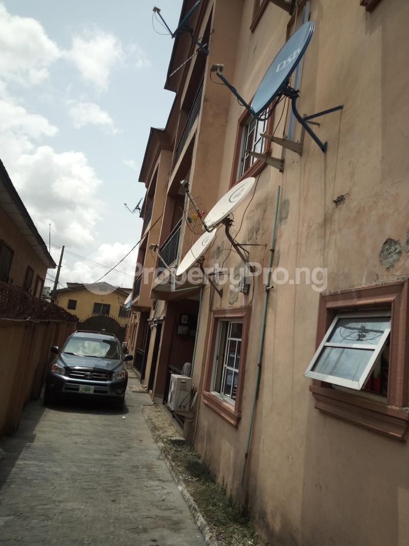 3 bedroom Flat / Apartment for rent BY AKANBI CRESCENT OFF ATURASHE , SURULERE LAGOS Ojuelegba Surulere Lagos - 18
