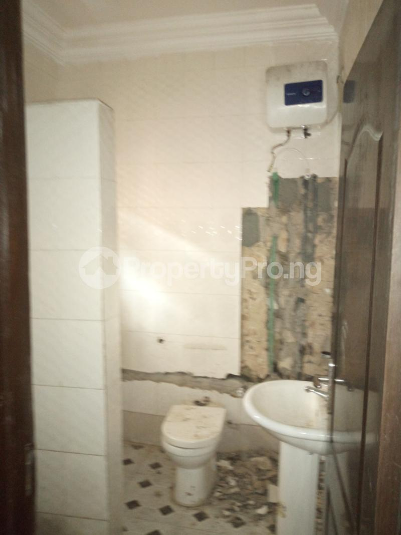 3 bedroom Flat / Apartment for rent BY AKANBI CRESCENT OFF ATURASHE , SURULERE LAGOS Ojuelegba Surulere Lagos - 9