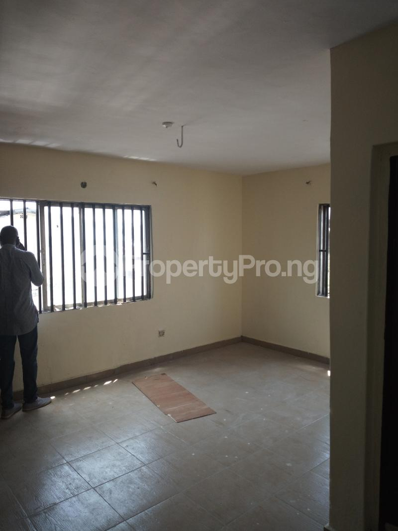 3 bedroom Flat / Apartment for rent DIPO OLUBI  OFF ODUDUWAU , SURULERE Kilo-Marsha Surulere Lagos - 19