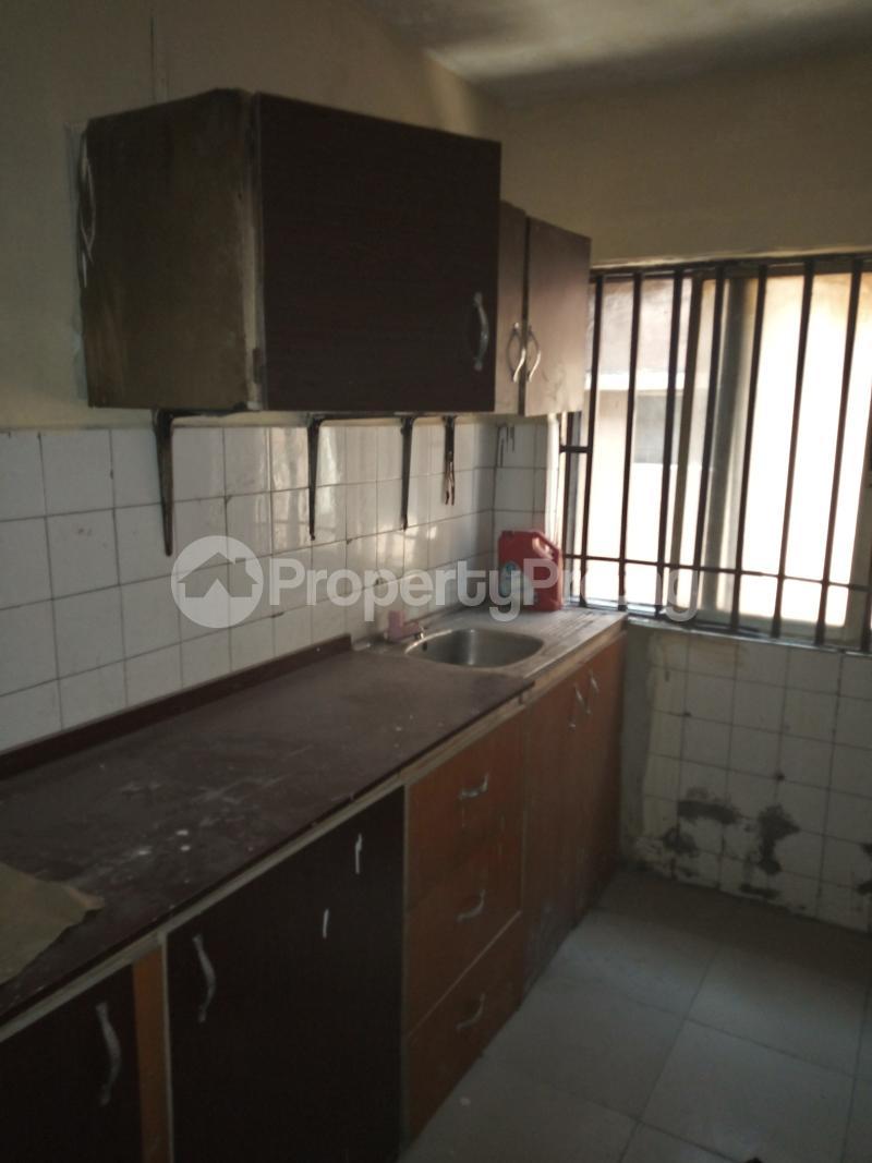 3 bedroom Flat / Apartment for rent DIPO OLUBI  OFF ODUDUWAU , SURULERE Kilo-Marsha Surulere Lagos - 4